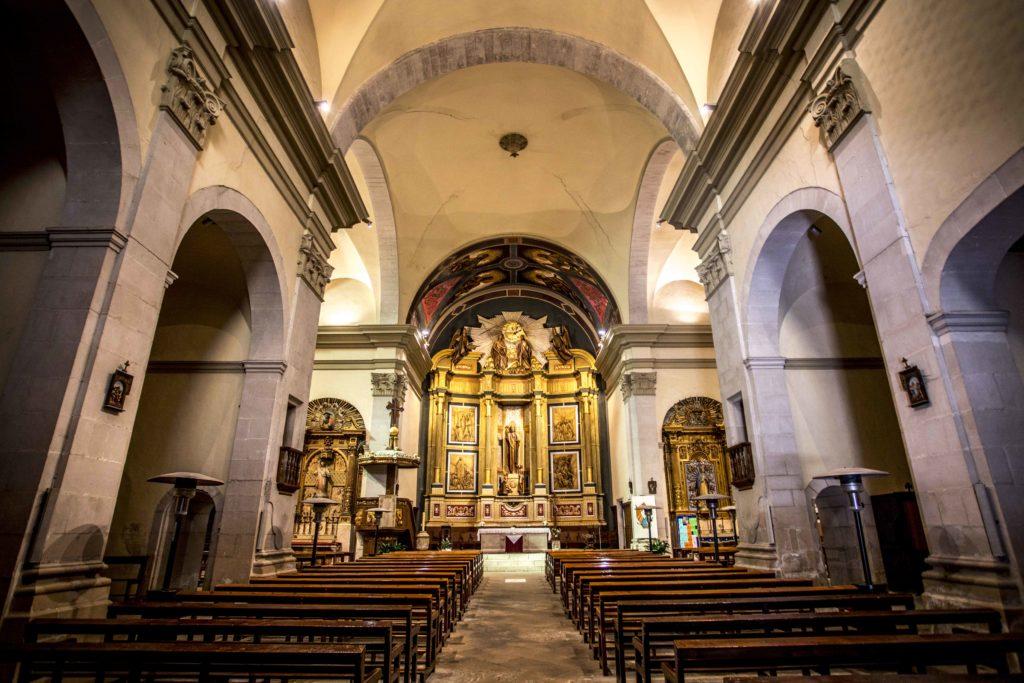 interior església arbeca