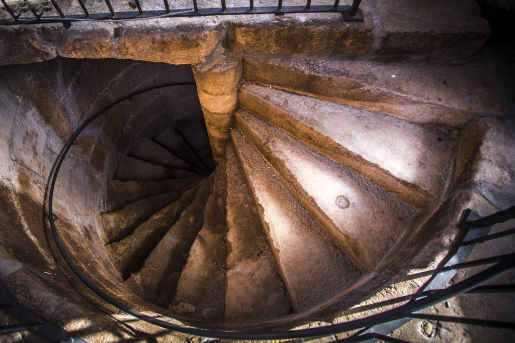 escales campanar arbeca